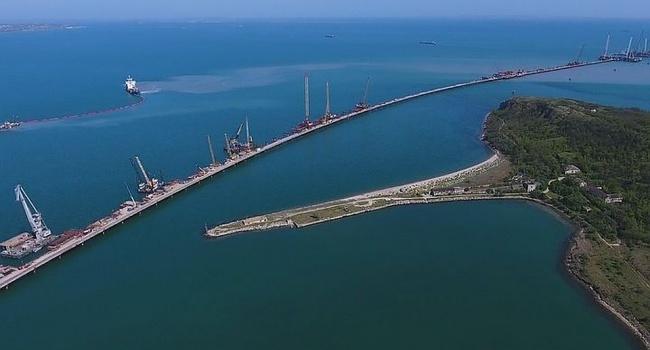 Усиление интеграции Крыма в состав РФ: в ЕС рассказали, зачем Россия построила мост через Керченский пролив