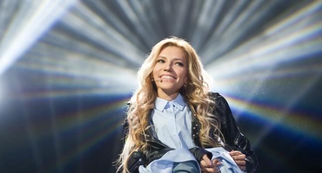 Захарова о Самойловой: «А вы в глаза ей заглядывали, когда она пела?»