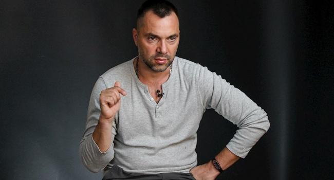 Арестович пояснил, в чем заключается большой минус спецоперации СБУ по Бабченко