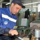 Эксперт объяснил, почему за ту же работу, что и за границей, украинцы дома получают в 3-4 раза меньше зарплату