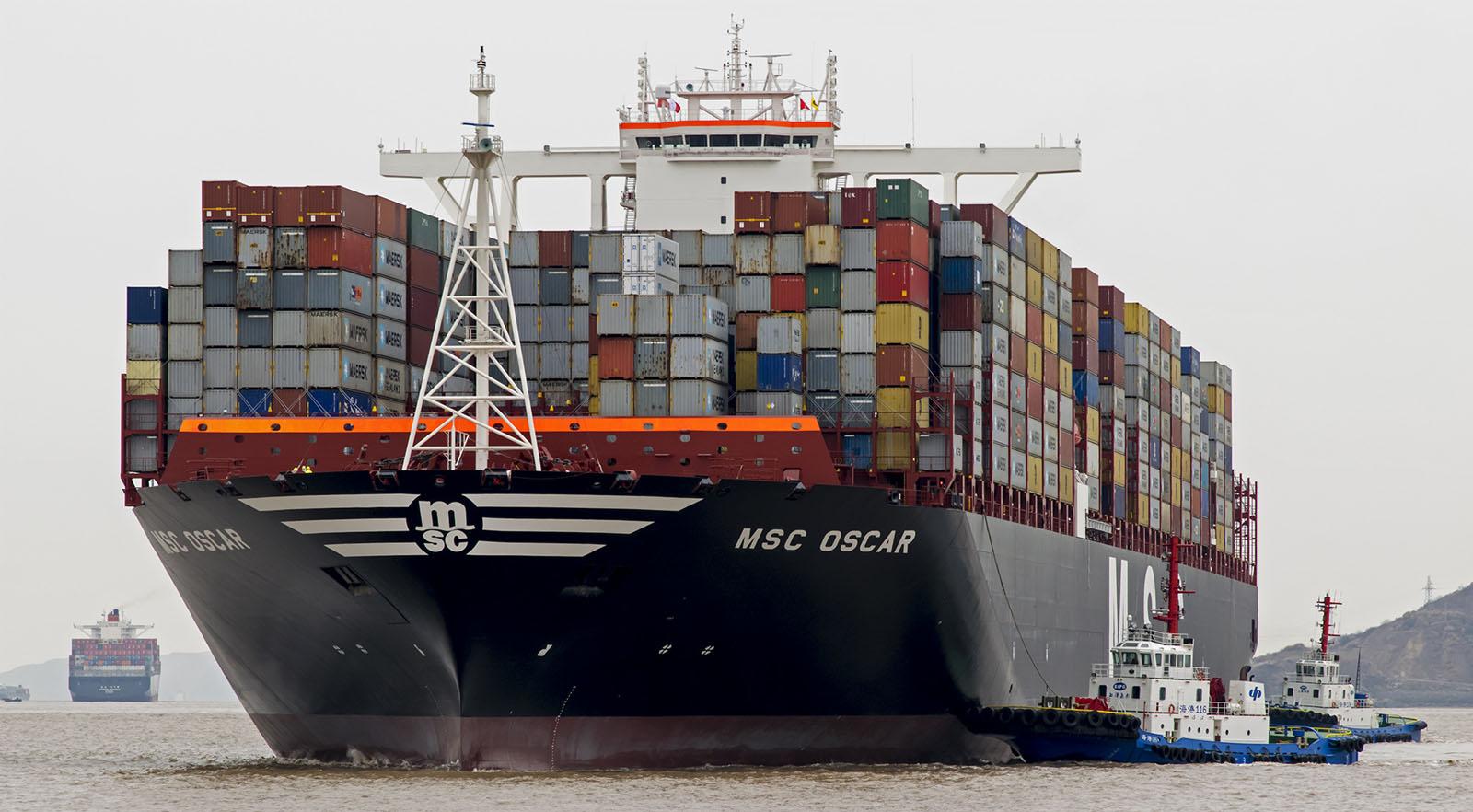 Обработка грузов и контейнеров на предпортовых терминалах