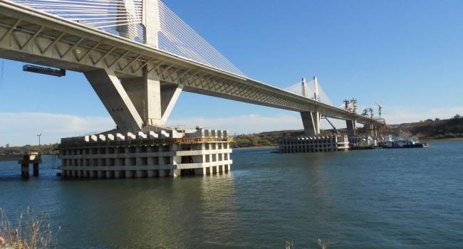 «Движение в Европу»: Порошенко сообщил о строительстве моста через Дунай