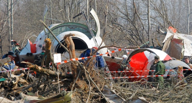 Трагедия под Смоленском: на корпусе самолета обнаружены следы взрывчатки