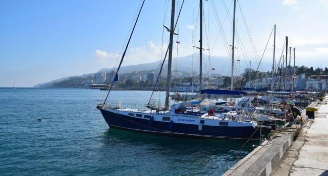 МинТОТ: 16 судов в мае нарушили запрет посещать порты аннексированного Крыма