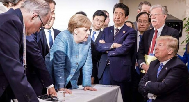 Фото, как лидеры G7 объясняют Трампу о невозможности возвращения РФ в G8, уже взорвало соцсети