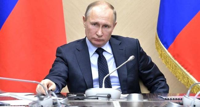 Социолог: путинская Россия решила повторить опыт советских предшественников