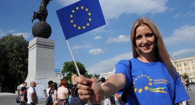 «Зубожиння» не сработало: за год всеми преимуществами безвиза воспользовались 555 тысяч украинцев