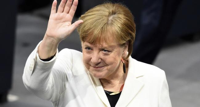 После сотрудничества с Путиным Меркель расскажет, как обеднит усилия с Макроном в вопросе обороны ЕС