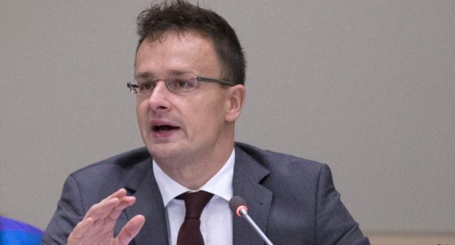 Сийярто упрекнул СЕ и обвинил Венецианскую комиссию, а также потребовал оказать давление на Украину