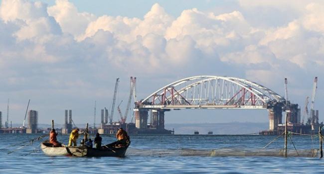 Березовец: оккупанты в ближайшей перспективе могут заблокировать Керченский пролив и выставить всего одно требование