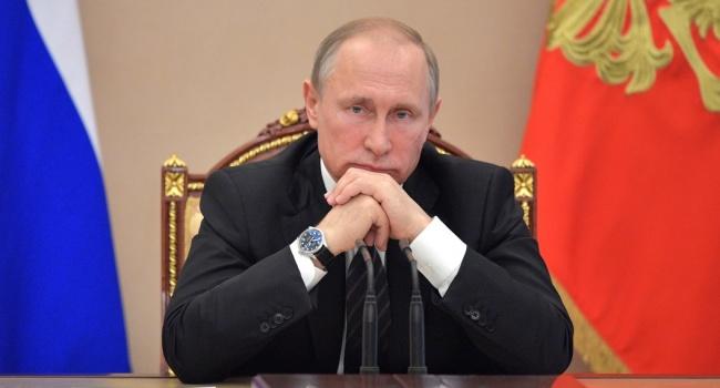 В РФ рейтинг Путина резко упал до уровня пятилетней давности