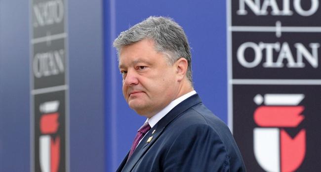 Порошенко перестраховался и заложил несменный курс Украины в НАТО на ближайшие годы, в РФ это восприняли, как угрозу