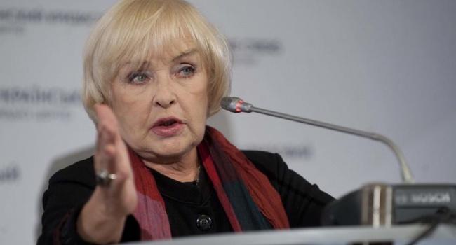 «Мы ведь не идиоты»: Ада Роговцева рассказала, почему не поедет выступать в Россию