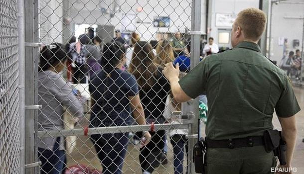 Трамп хочет, чтобы мигрантов из США высылали без суда