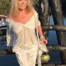 Пугачева покорила пользователей соцсети провокационным снимком без нижнего белья