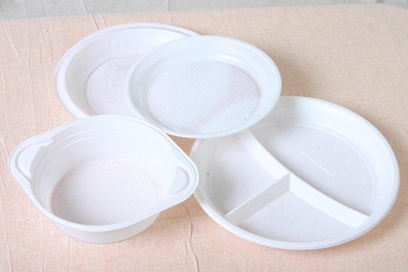 Продажа пластиковых тарелок и расходных материалов оптом