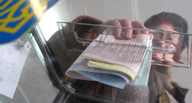 Соцопрос: опять по конвейеру – украинцы хотят новых политиков, чтобы разочароваться в старых