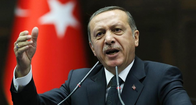 Эрдоган ввел санкции против двух американских министров