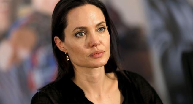 Адвокат отказалась от защиты Джоли в бракоразводном процессе