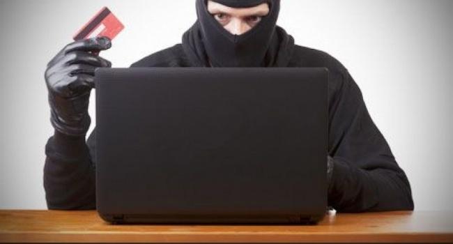 Осторожно, мошенники: банковские карты граждан Украины под угрозой, преступники нашли лазейку