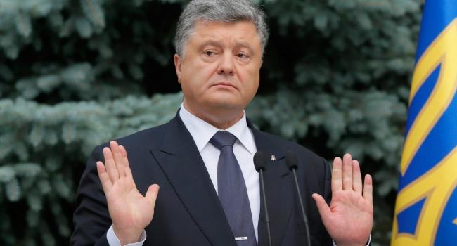 Порошенко из личных средств оплатил рекламу в поддержку предоставления томоса Украине