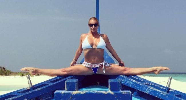 «Опять набухалась»: Волочкова поделилась откровенным фото с туалета, чем спровоцировала волну критики в свой адрес