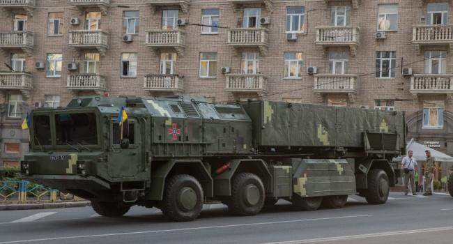 Журналист о параде в Киеве: Bentley Пашинского — это единственное, чем мы можем похвастаться