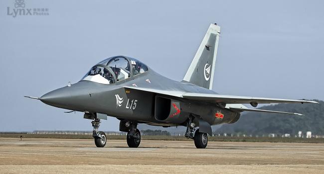 В Раде ответили на критику США из-за продажи двигателей для боевых самолетов Китаю