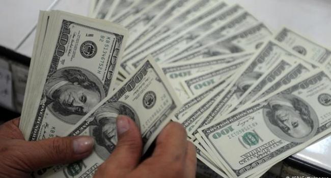 Без МВФ жизнь продолжается: Украина привлекла кредит на 750 млн долларов