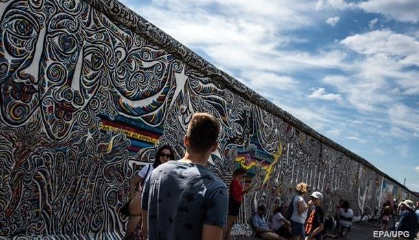 В Германии будет восстановлена Берлинская стена