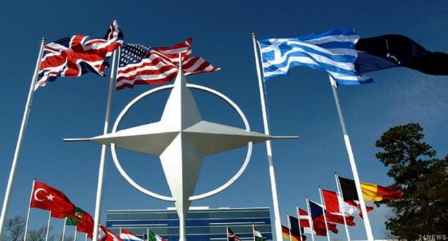 В НАТО прокомментировали планы Украины по Конституции