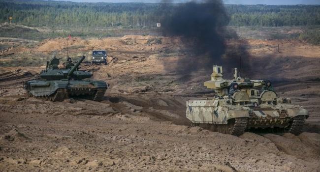 Россия устрашает масштабными военными учениями, но мы помнит, как горят в танках буряты и знаем, куда достает оружие США, – блогер
