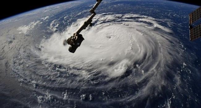 К побережью США приближаются четыре сильнейших шторма