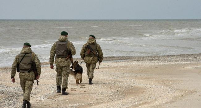 Порошенко заявил об усилении обороны Азовского моря