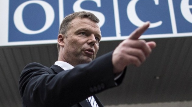 Наблюдатели СММ ОБСЕ зафиксировали неопровержимые доказательства военного вторжения РФ на Донбасс, - Хуг