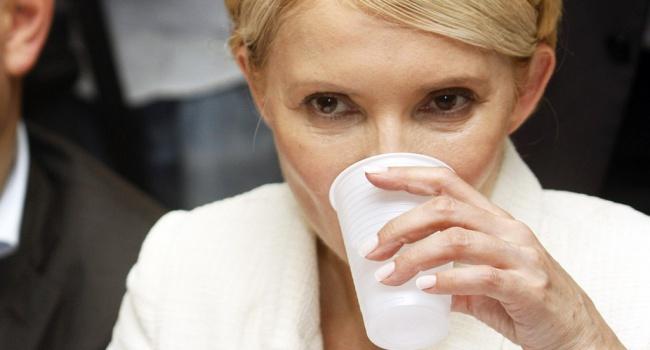 Блогер: каждый месяц «работы» Тимошенко на посту премьера стоил Украине 1 миллиард долларов