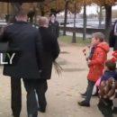 Казус с Путиным в Париже: главу Кремля жестко раскритиковали за открытый зонт