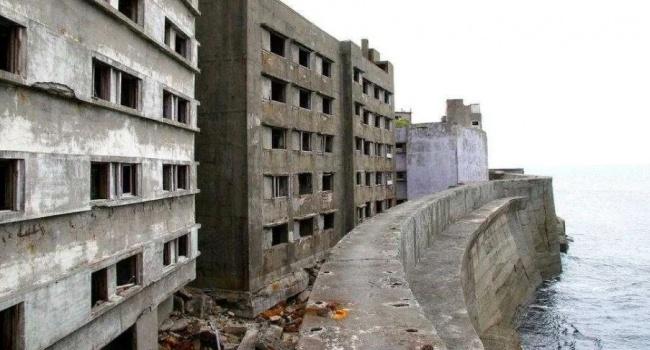 В сети показали самый густонаселенный в мире, а теперь заброшенный остров