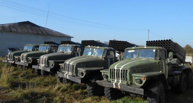 Назревает масштабный бой: террористы стягивают большое количество военной техники на Донбасс, - СЦКК