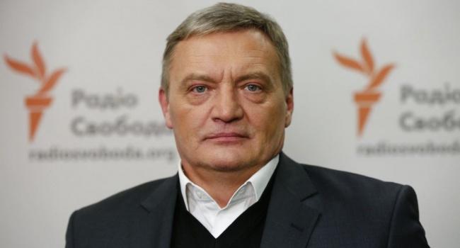 В Кабмине назвали нападение на суда Украины в Азове переходом от гибридной к обычной войне