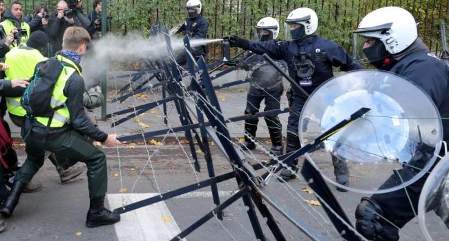 Журналист: после просмотра этих фото «зрадофилы» возрадуются «диктатуре Порошенко»