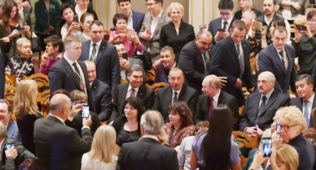 После громкой ссоры Путин пригласил Лукашенко на «Щелкунчика»