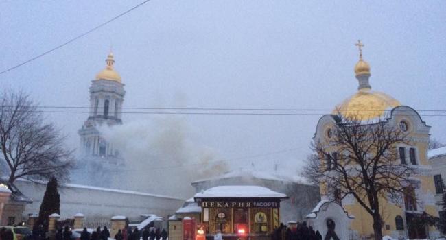 Пожар в Киево-Печерской лавре ликвидировали – о причинах возгорания пока что никто еще не говорит