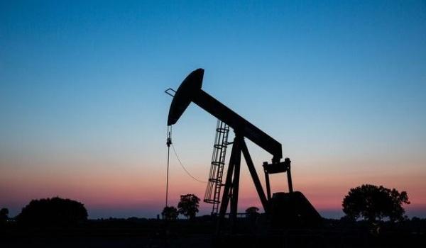 Стоимость барреля нефти опустилась ниже психологической отметки