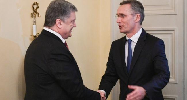 После проголосованных изменений в Конституцию Порошенко впервые завил Генсеку НАТО о желании Украины получить ПДЧ