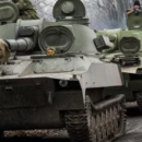 Россия перебрасывает в Украину колонну танков и другой военной техники