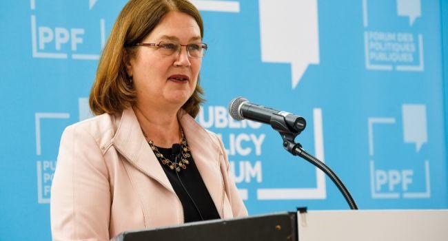 Правительственный кризис в Канаде усугубляется - в отставку ушла глава Совета казначейства