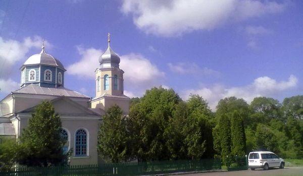 Месть за переход в ПЦУ: священники церкви Путина устроили провокацию под храмом