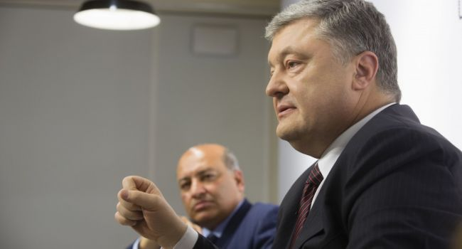 Журналист: Порошенко создал все условия для работы антикоррупционных органов, но царем он никогда не будет