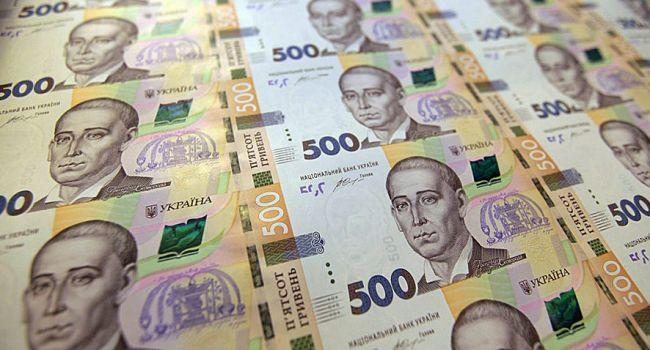 В среднесрочной перспективе гривна будет дешеветь - эксперты